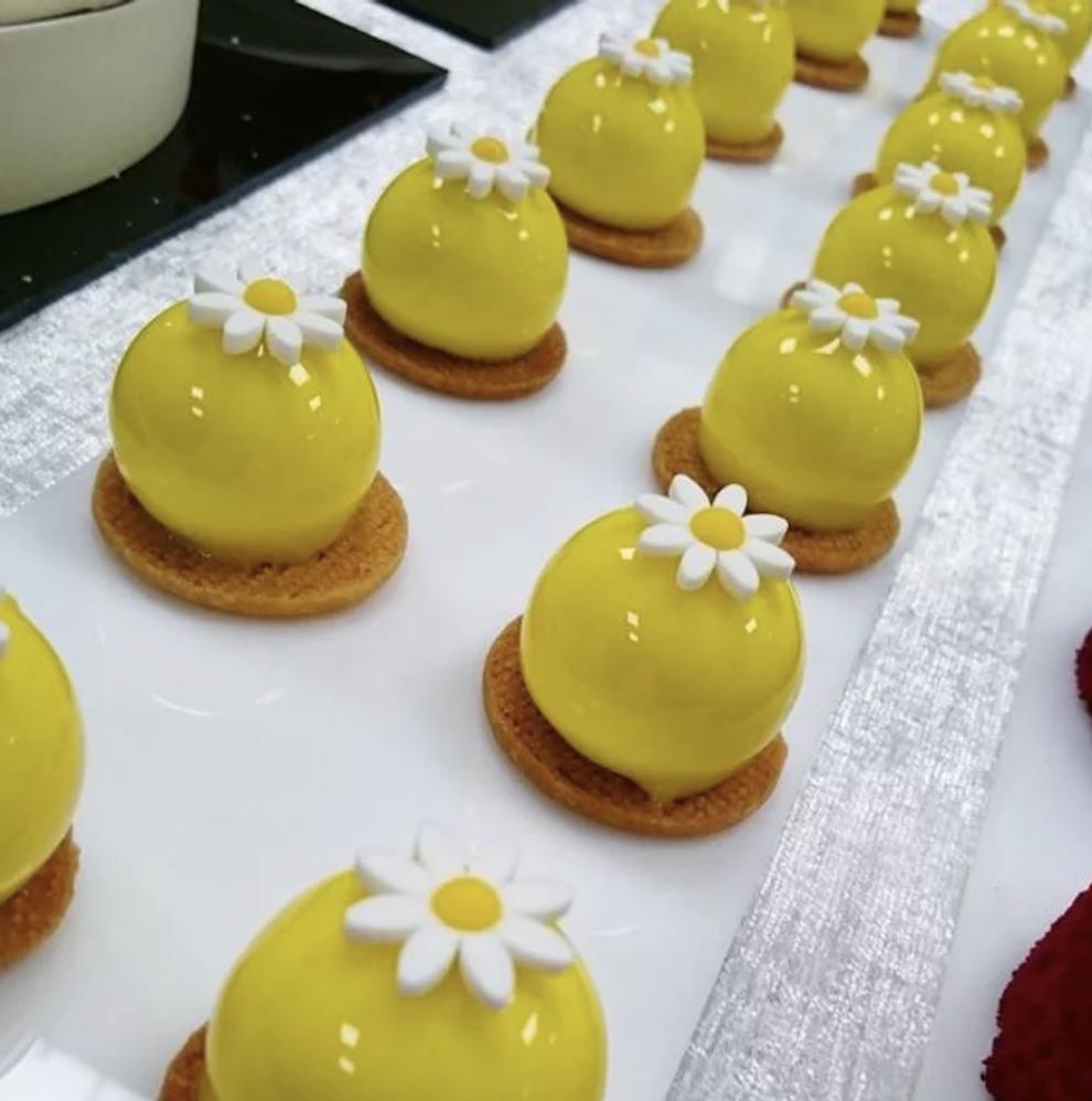 熱情果慕絲蛋糕 到會 A Fun Kitchen 生日蛋糕