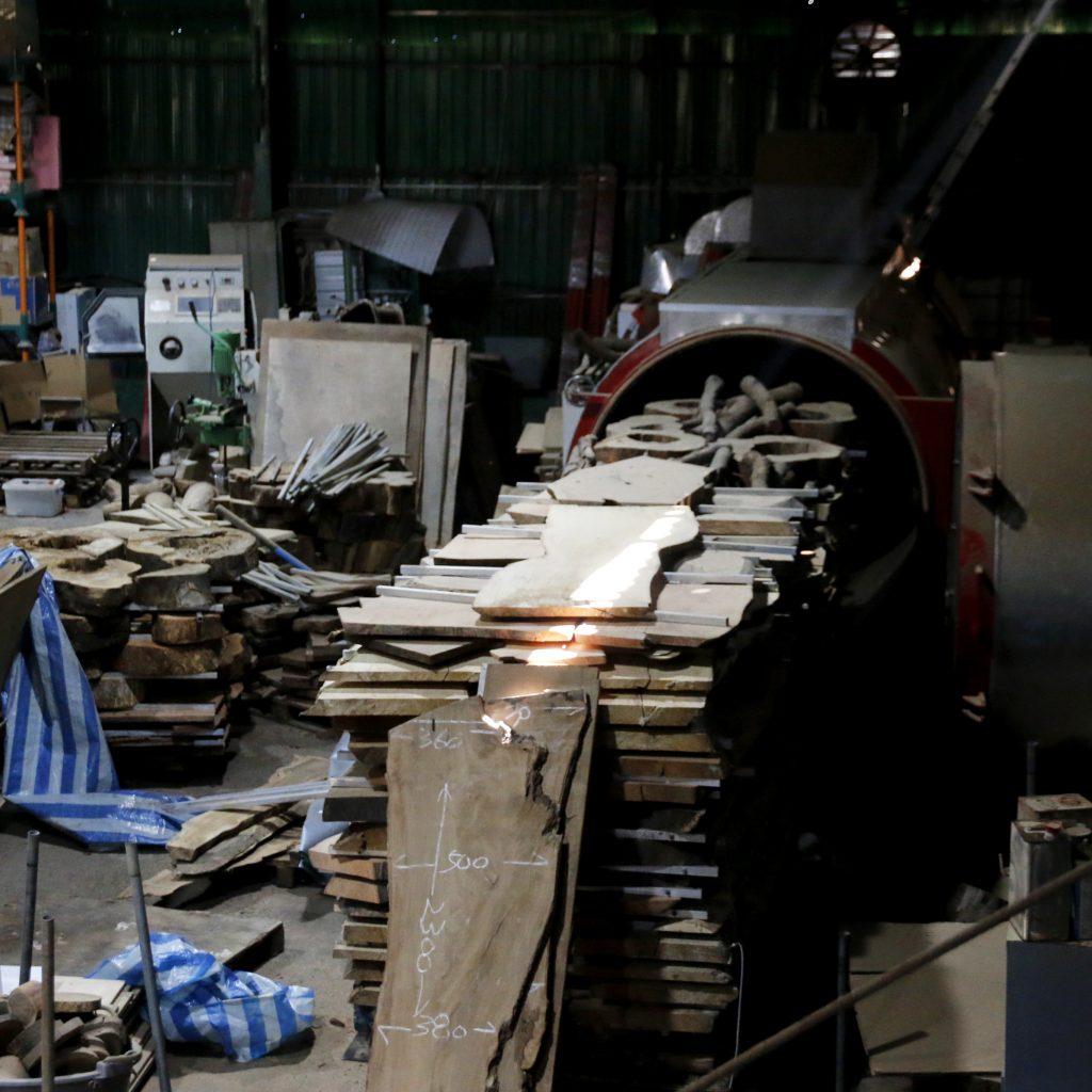 香港木庫 回收榻樹 造傢具 乾燥
