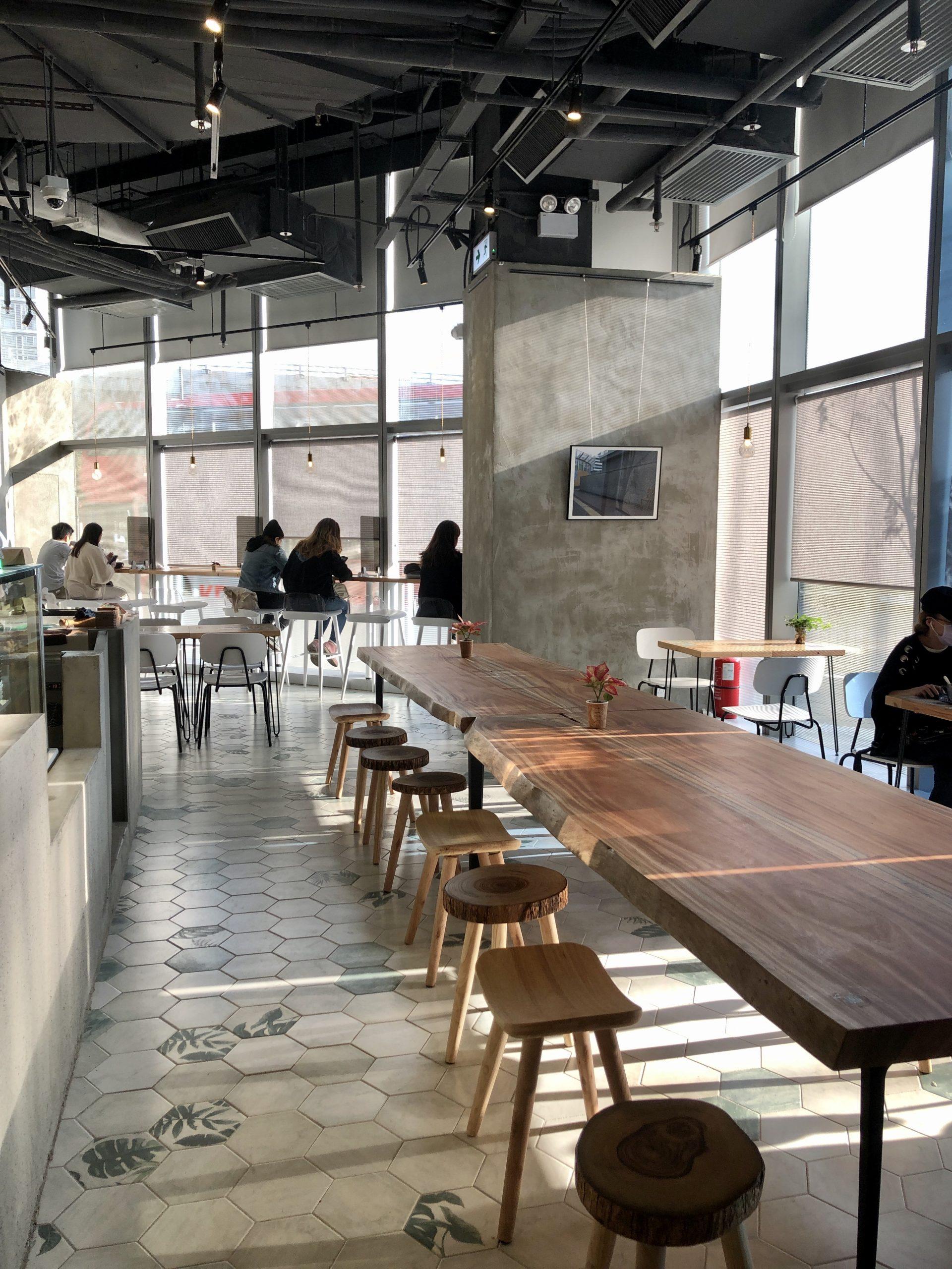 觀塘 Master Room Cafe 環境 長尾工作室 community table