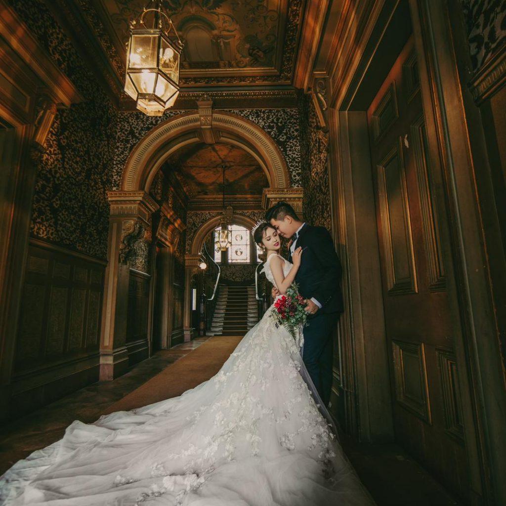 我老婆嫁左比Mirror導致婚姻破裂關注組 版主 RC與老婆的婚照