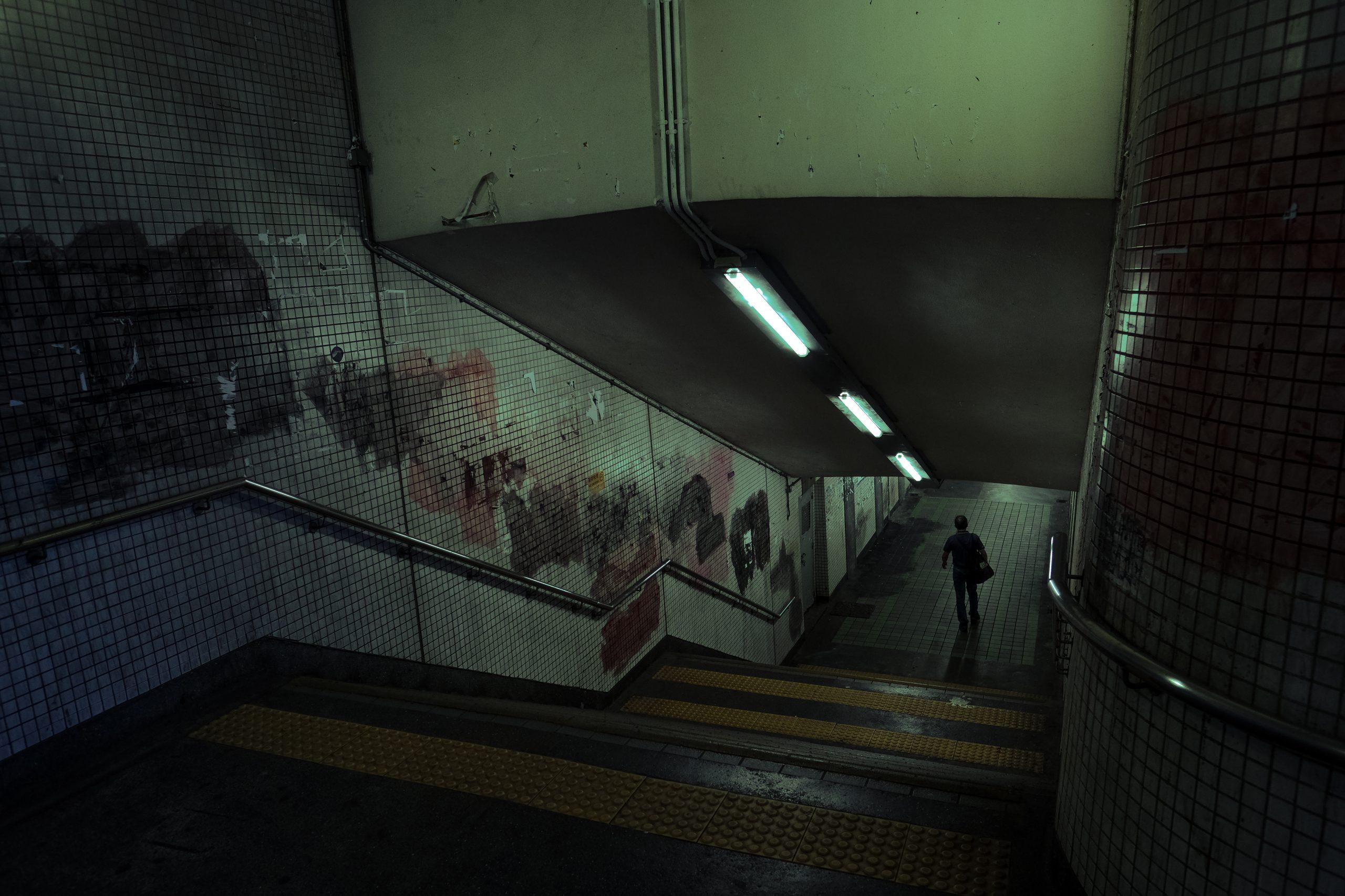 《幽暮之城》攝影集 Deacon Lui 反修例運動 攝影師 隧道 文宣